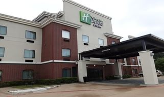 Holiday Inn Express I20 Exterior
